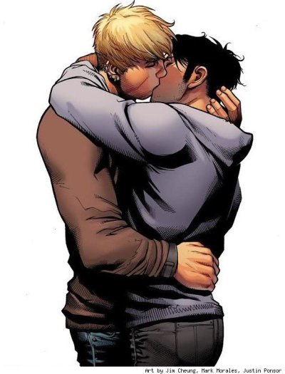 Hulkling and Wiccan's first on panel kiss