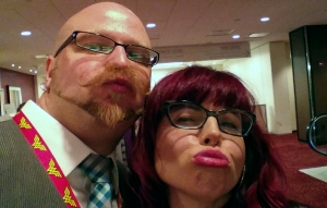 DragonCon 2014 Kelly Sue DeConnick duckface selfie